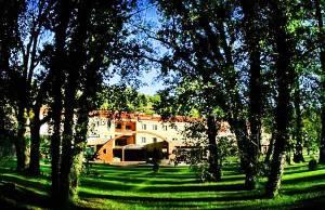 hotel_valle_del_jerte_fachada1-big