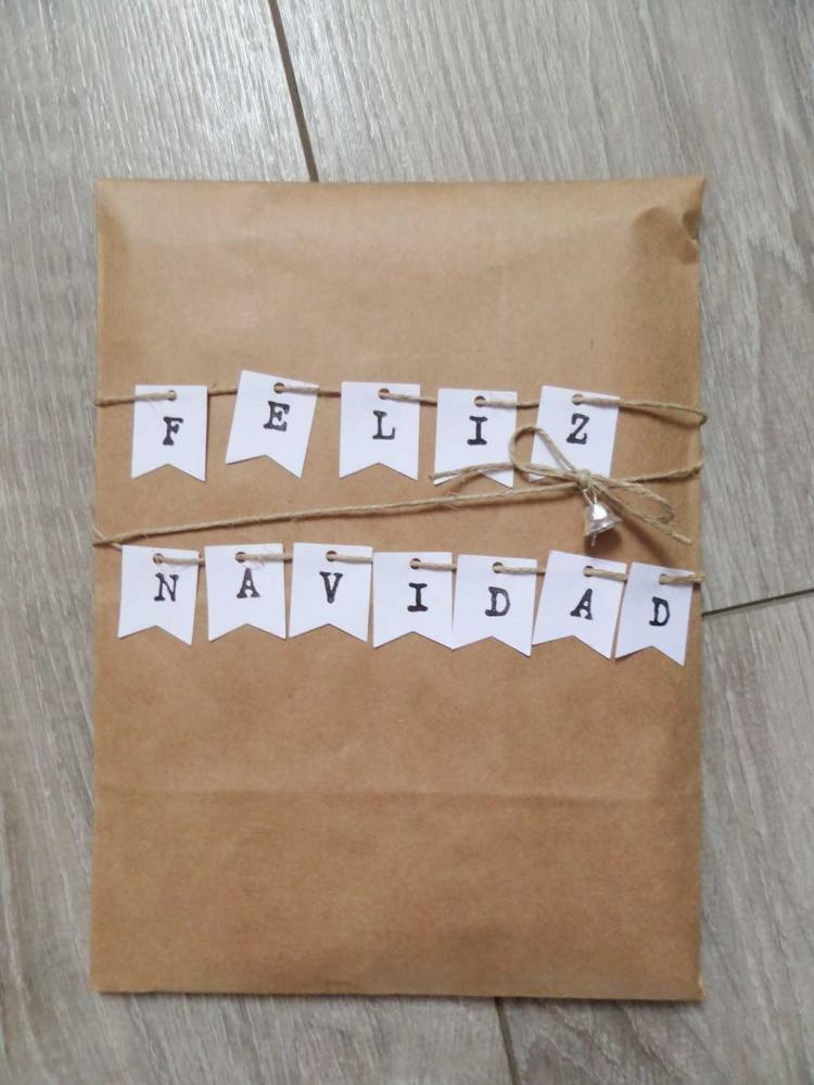 10 ideas originales para envolver tus regalos linnet events - Papel de regalo original ...